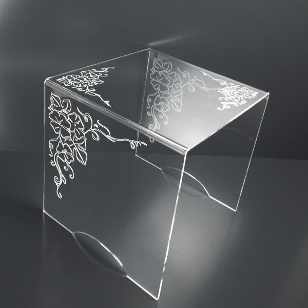 tavolino-plexiglass-inciso-floreale