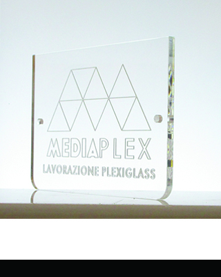 targa_incisa_rettangolare_plexiglass_copertina