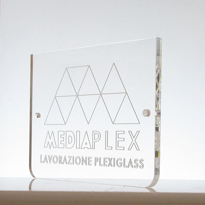 targa-rettangolare-incisa-plexiglass-mediaplex